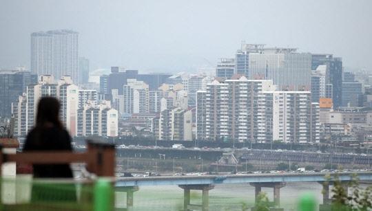 살 집은 없고 전세 없어 반전세만 늘고…서울 아파트 시장, 금융위기때보다 더 최악